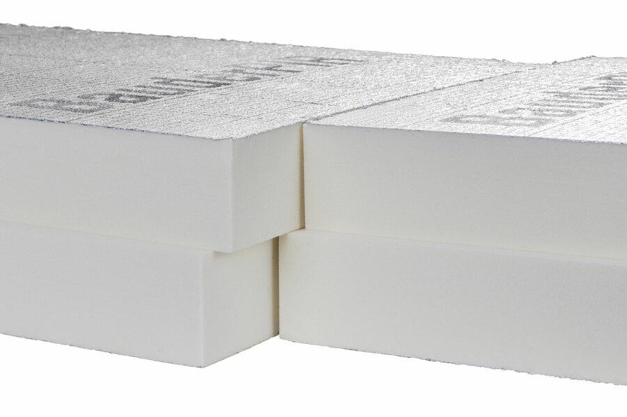 Détail de l'emboitement de l'isolant PIR FA feuilluré : aucun pont thermique, isolation optimale.