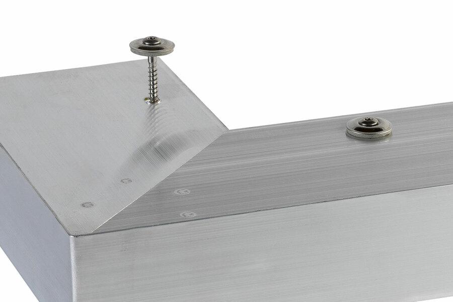 Vis embout torx TX20 avec rondelle étanche EPDM aluminium (présentées sur angle sortant de rive)